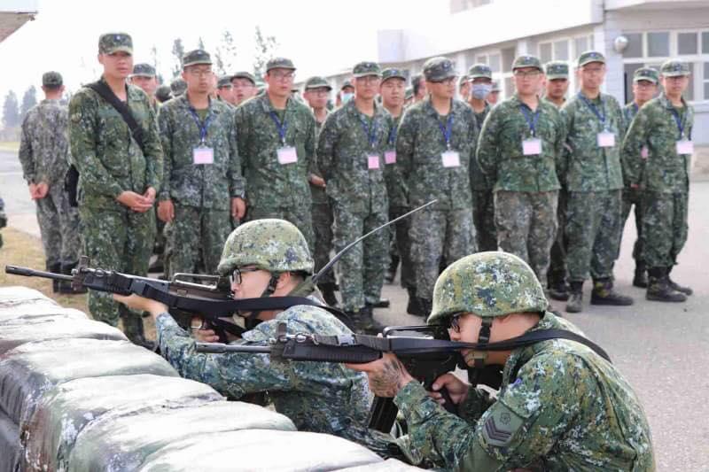 參與本次課程就近觀看部隊執行戰備訓練情形